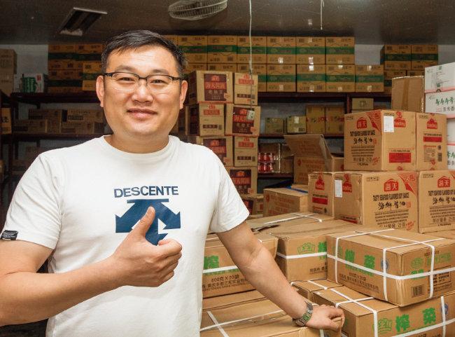 서울 구로구 구로동에서 식자재 도매 회사를 운영하는 김봉규 사장은 사업을 시작한 지 13년 만에 매월 수억 원대 매출을 올리는 사업가로 성공했다. [조영철 기자]