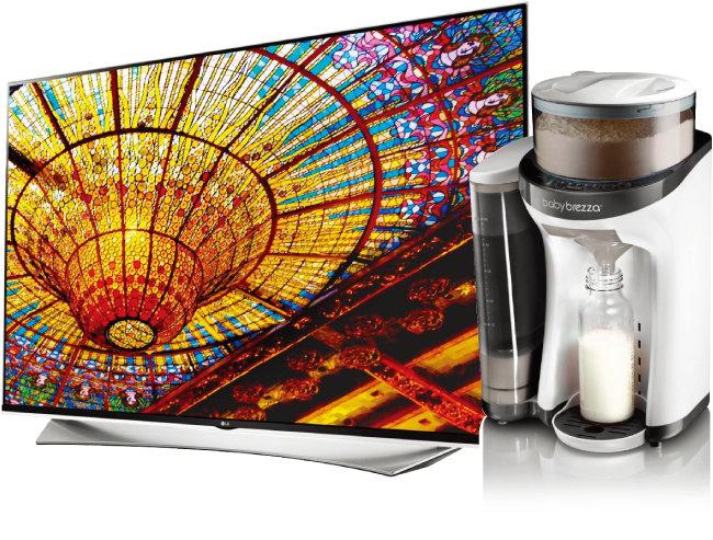 삼성전자나 LG전자의 대형TV는 해외직구로 마련하는 대표적인 혼수용품이다(위). 분유제조기 '베이비 브레짜 포뮬러 프로'.