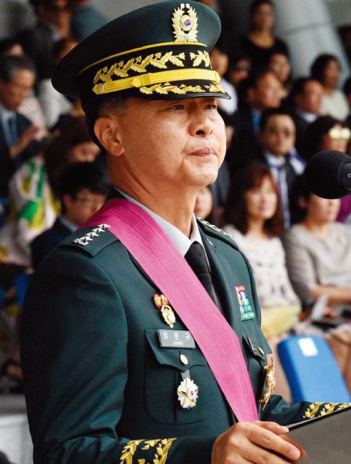 군·검 합동수사단의 자택 압수수색을 받은 장준규 전 육군참모총장. [뉴시스]
