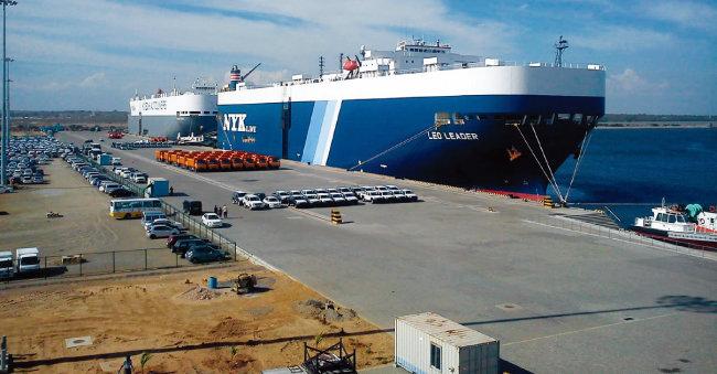 스리랑카 함반토타항의 모습. 2017년 중국이 99년간 이 항구의 운영권을 갖게 됐다. [위키피디아]