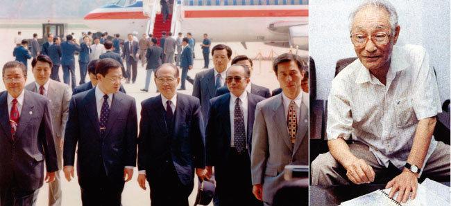1997월 4월 20일 성남시 서울공항에 도착한 황장엽(가운데) 씨가 신병을 인수하기 위해  나온 이병기 당시 안기부 제2차장(황씨 왼쪽)과 함께 기자회견장으로 향하고 있다(위).  'KLO' 부대장 출신인 고(故) 이연길 선생. [동아DB]