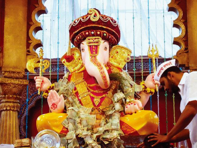 인도 힌두교에서 코끼리 머리 형상을 한 가네샤 신상. [위키피디아]