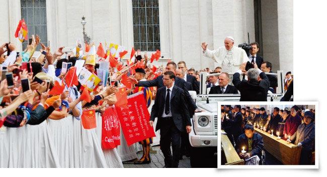 프란치스코 교황이 중국 신자들에게 손을 흔들고 있다(위). 중국 가톨릭 지하교회에서  신자들이 촛불을 켠 채 예배를 보고 있다. [CNA, 가톨릭 헤럴드]