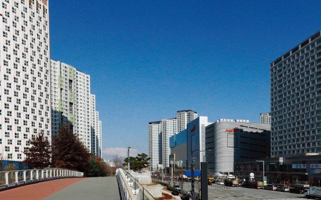 11월 위례신도시 전경. 12월 오픈을 앞둔 '스타필드위례'도 보인다.