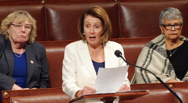 2월 7일(현지시각) 낸시 펠로시 미국 민주당 하원 원내대표가 마라톤 연설을 하고 있다. [C-SPAN]