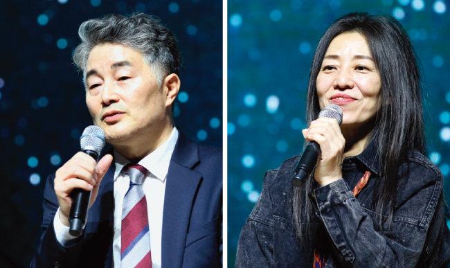 내년 '음악역 1939'를 운영하는 가평뮤직빌리지의 송홍섭 대표(왼쪽)와 12월 14일 축하 공연을 펼친 가수 장필순. [뉴시스]