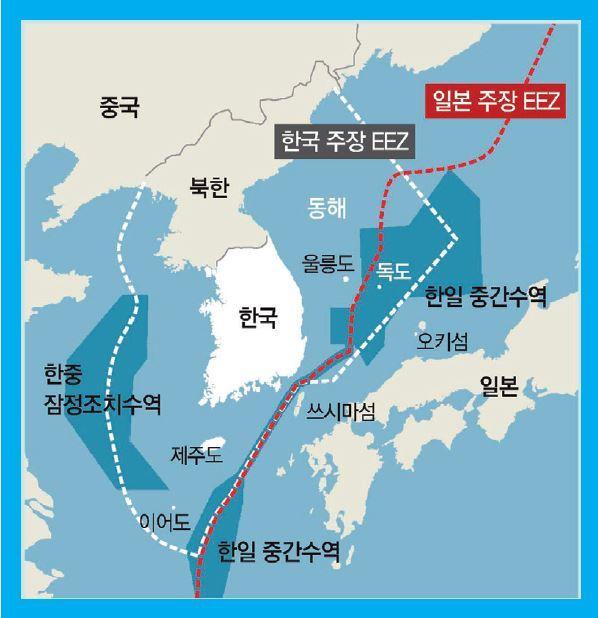 광개토대왕함과 일본 P-1 초계기가 조우한 동해 한일 중간수역. 양국은 조우가 있었던 곳을 정확히 밝히지 않고 신경전을 펼쳤다.