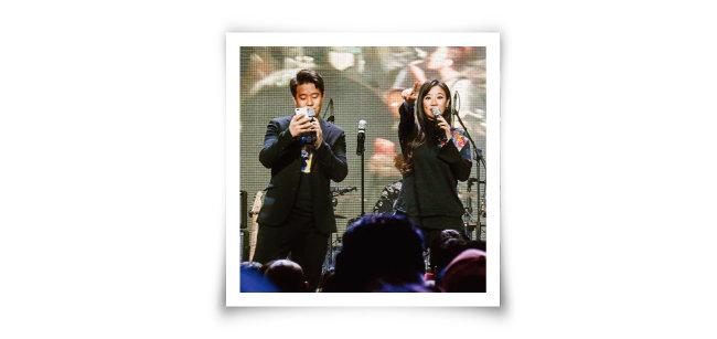 사회를 본 싱어송라이터 김한성(왼쪽)과 가수 호란. [사진 제공 · 캡틴락컴퍼니]