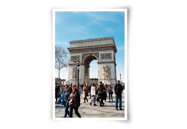 프랑스 파리 개선문 광장. 이민자로 구성된 소매치기단이 최근 활발하게 활동하는 것으로 알려져 있다.