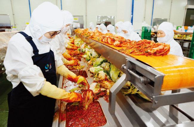 종가집은 체계화된 김치 생산 시스템으로 품질·위생 관리, 감독을 강화해가고 있다. [사진 제공 · ㈜대상]