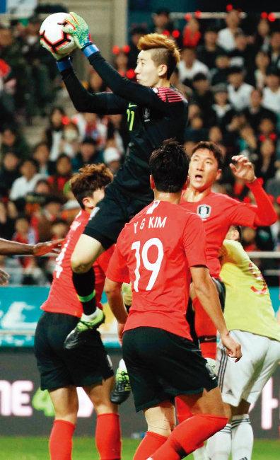 3월 26일 오후 열린 콜롬비아 대표팀과의 평가전에서 골키퍼 조현우가 후반 막판 신들린 선방으로 승리를 지켜냈다. [뉴스1]
