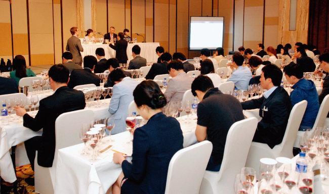 2013년 서울에서 열린 베를린 와인 테이스팅. [사진 제공 · ㈜아영FBC]