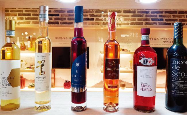점점 다양해지는 한국 와인. 한글 캘리그래피를 넣는 등 디자인에서도 한국적 정체성이 드러난다. [사진 제공 · 전통주갤러리]