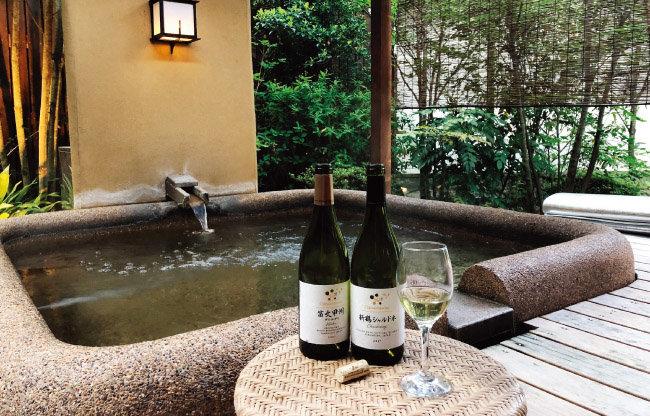야마나시는 온천 휴양지로도 유명하다. 온천욕으로 여독을 풀고 일본 와인을 즐기는 것도 일본 여행에 재미를 더한다. [사진 제공 ·김상미]