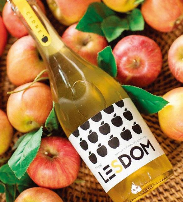 충북 충주 '작은 알자스'에서 생산하는 사과 와인 '레돔 시드르'. [사진 제공·작은 알자스]