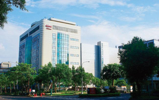 세계 최대 반도체 파운드리업체인 대만 TSMC의 신주시 본사 건물. [TSMC]