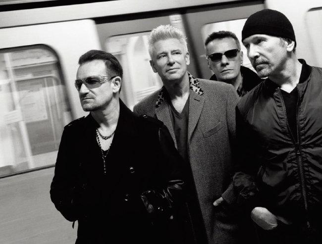 아일랜드 록 밴드 U2 멤버인 보노, 애덤 클레이튼, 래리 멀린 주니어, 디 에지(왼쪽부터). [사진 제공 · 유니버설뮤직코리아]