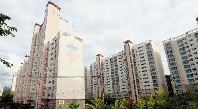 광주 남구 봉선동의 한 아파트. [박영철 동아일보 기자]