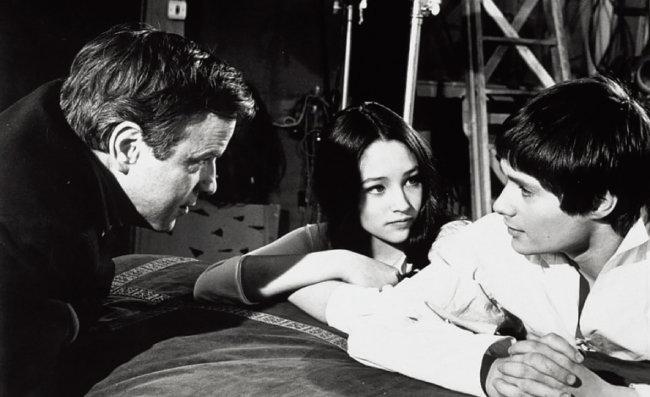 영화 '로미오와 줄리엣' 촬영 현장의 프랑코 제피렐리, 올리비아 핫세, 레너드 위팅(왼쪽부터). [IMDb]