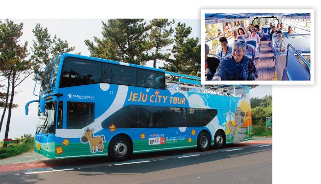 제주시티투어는 제주국제공항을 시작으로 민속자연사박물관, 탑동광장, 한라수목원 등 주요 관광명소들을 방문하는 투어버스 프로그램이다. [사진 제공 · 제주시티투어]
