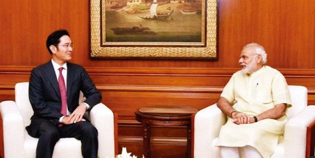 2016년 9월 15일 이재용 삼성전자 부회장(왼쪽)이 나렌드라 모디 인도 총리와 환담하고 있다. [사진 제공 · 삼성전자]