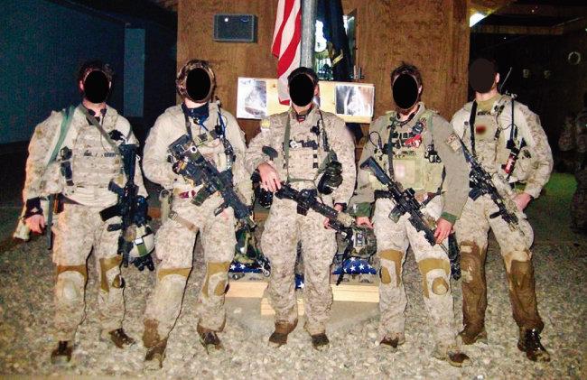미국 해군 특수전부대 네이비 실의 데브그루 대원들. [Reddit]