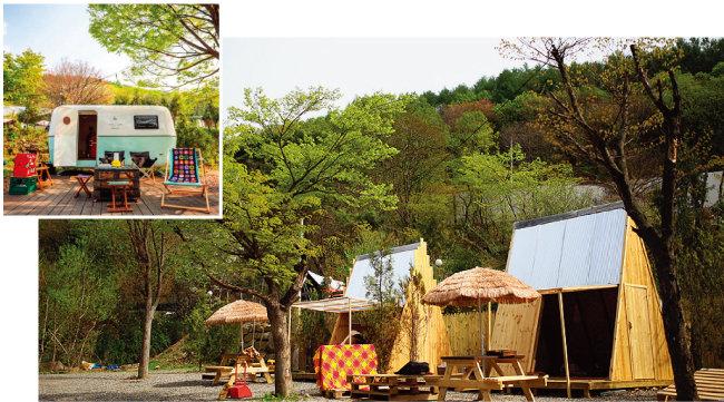 경기 포천 '캠프오후4시'가 당일캠핑 용도로 제공하고 있는 카라반(위)과 오두막. [사진 제공 · 캠프오후4시]