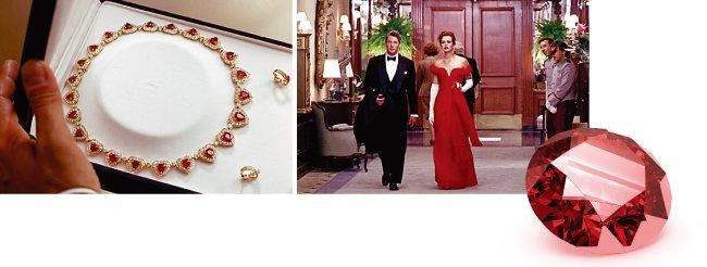 영화 '귀여운 여인'에서 에드워드와 비비안의 '화해'를 위한 매개로 등장하는 소품이 바로 루비 목걸이다. [영화 '귀여운 여인' 화면 캡처]