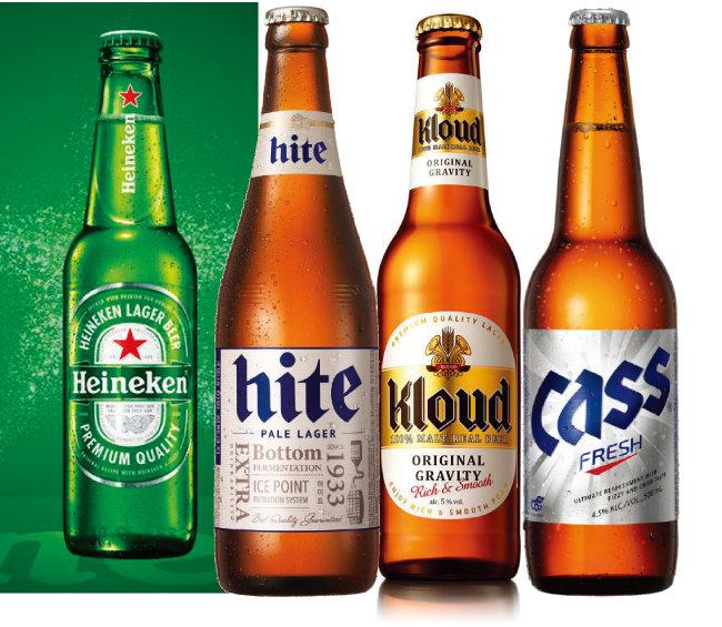 제2차 세계대전 이후 미국에서 '녹색 병 맥주' 돌풍을 일으킨 하이네켄과 테라 출시 이전 국내 맥주시장을 삼분했던 하이트진로의 '하이트', 롯데주류의 '클라우드', 오비맥주의 '카스'(왼쪽부터).