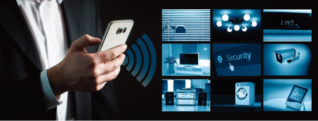 스마트홈 시스템을 이용하면 휴대전화 앱을 통해 TV, 세탁기, 오디오 등 전자제품과 조명을 제어할 수 있다. [pixabay]