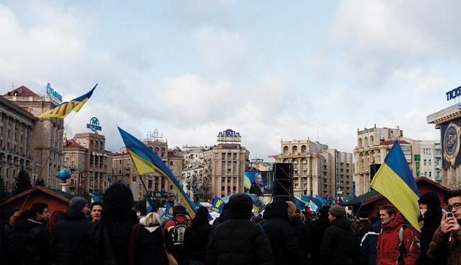 2013년 우크라이나 키예프 시민들이 러시아에 반발하는 시위를 하고 있다. [신화=뉴시스]