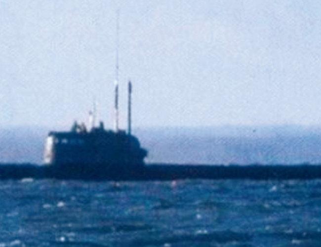 러시아의 비밀 소형 핵잠수함 AS-12 로샤리크. '톱기어(Top Gear) 매거진' 러시아판에 우연히 촬영된 모습이다. [톱기어 매거진]