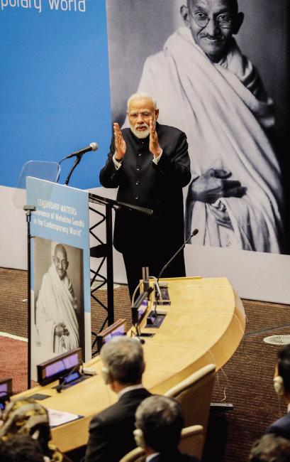 9월 24일 미국 뉴욕에서 열린 유엔총회에서 마하트마 간디 탄생 150주년 기념행사를 주최한 나렌드라 모디 인도 총리. [AP=뉴시스]
