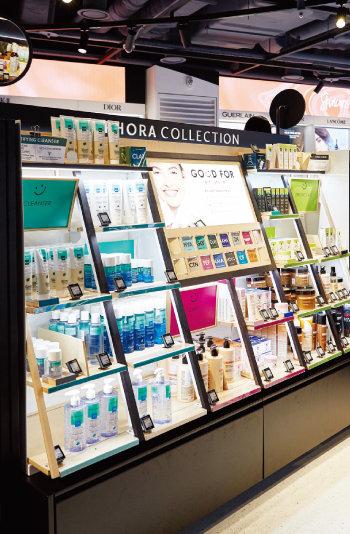 세포라의 자체 브랜드 '세포라 컬렉션'의 제품군도 다양하다.