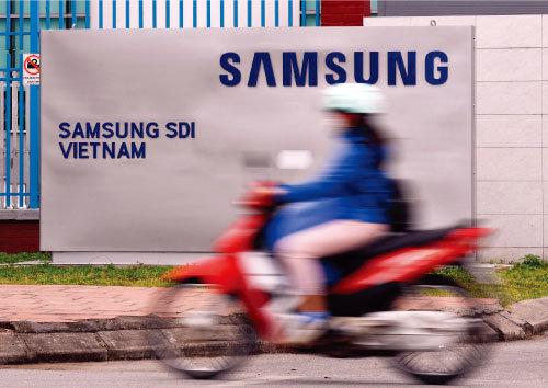 하노이 인근에 자리한 삼성전자 베트남 휴대전화 생산 공장. [ 장승윤 동아일보기자]