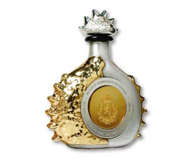 200만 달러 가격으로 현존하는 가장 비싼 술로 기네스북에 등재된 코냑 '앙리 4세 그랑 샹파뉴'. [©Ley.925 & Co.]