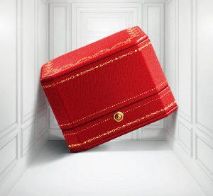 까르띠에 레드 박스. [Laziz Hamani © Cartier]