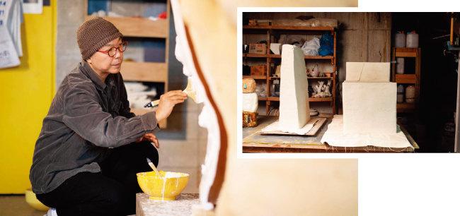 작업실에서 한국의 상을 제작하고 있는 도예가 이헌정.