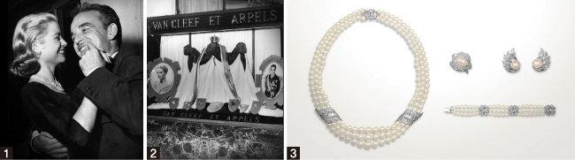 1 반클리프 아펠이 제작한 약혼 주얼리를 착용한 그레이스 켈리 전 모나코 왕비(왼쪽)와 레니에 3세.  2 레니에 3세의 결혼을 축하하는 반클리프 아펠의 윈도 디스플레이.   3 반클리프 아펠이 제작한 그레이스 켈리를 위한 약혼 주얼리. [반클리프 아펠 아카이브]