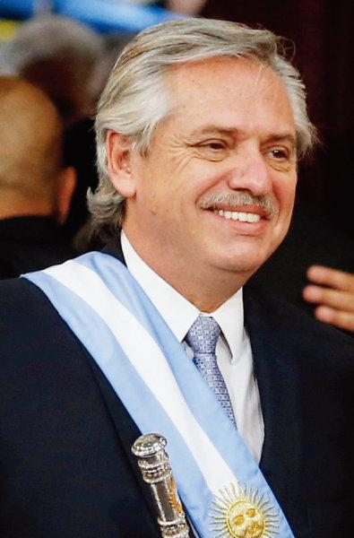 알베르토 페르난데스 아르헨티나 대통령이 취임식에서 웃고 있다. [아르헨티나 대통령실]
