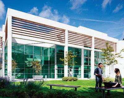 아일랜드 더블린의 '유니버시티 칼리지 더블린' 캠퍼스 안에 자리한 아일랜드 국립 바이오공정 교육연구소(NIBRT). [NIBRT 홈페이지]