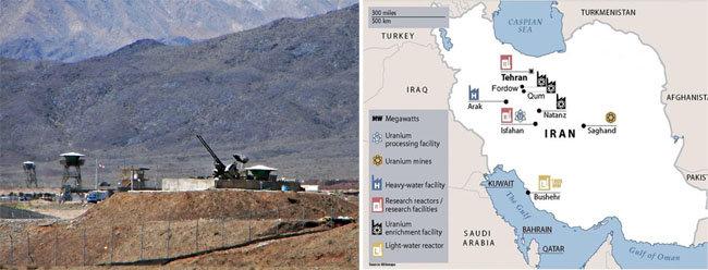 이란 혁명수비대가 공습 등에 대비해 나탄즈의 핵시설을 방어하고 있다(왼쪽). 이란의 주요 핵시설 분포도. [위키피디아, 자료 IISS]