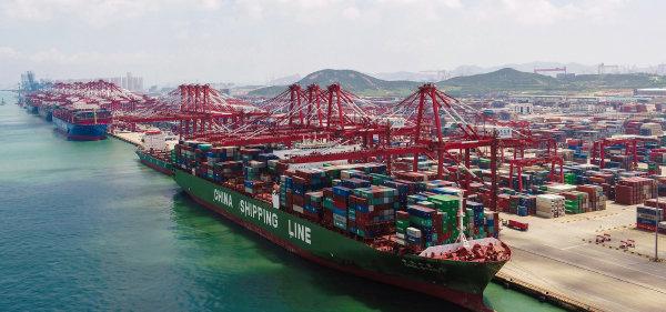 중국이 글로벌경제의 수축 랠리에도 수출이 다소나마 증가한 것은 수출시장 점유율이 높아졌기 때문이다. [AP=뉴시스]