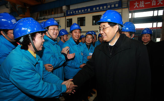 2008년 쓰촨 대지진 때 중국 정부는 각지에서 수많은 인력을 동원해 구호와 복구에 힘쓰며 중국의 건재함을 알렸다. [신화=뉴시스]