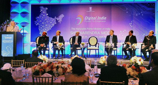 모디 총리가 실리콘 밸리를 방문해 미국 IT 기업 CEO들에게 연설하고 있다. [PTI]