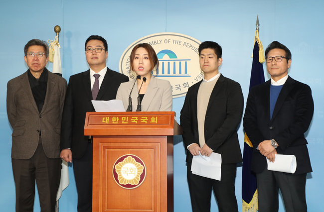 미래통합당에 합류한 청년 중도정당 대표들, 가운데는 브랜드뉴파티의 조성은 대표, 왼쪽은 젊은 보수 천하람 대표, 오른쪽은 같이오름 김재섭 대표. [동아DB]