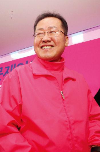 미래통합당 공천에서 컷오프된 홍준표 전 대표가 3월 16일 무소속으로 대구 수성을에 출마하겠다고 밝혔다. [동아DB]