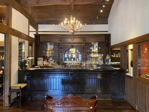 일본 마르스 츠누키 증류소는 창립자 고택을 개조해 갤러리 및 레스토랑으로 활용하고 있다. [사진 제공·명욱]