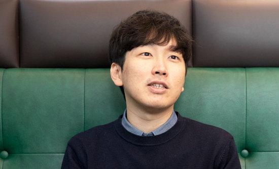 4월 1일 '주간동아'와 인터뷰 중인 신재민 전 기획재정부 사무관. [지호영 기자]