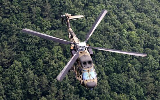 해병대는 육군이 운용하는 이 수리온 헬기에 방염 처리 등을 해 '마린온'이라는 이름으로 사용하고 있다. [신인균 자주국방네트워크 대표]